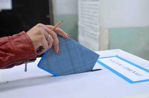 Elezioni, Taranto e Lecce verso il ballottaggio
