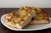 Focaccia con patate e rosmarino