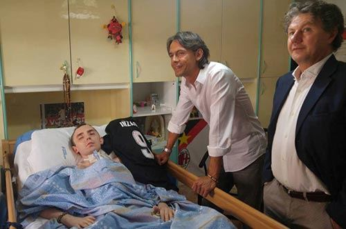 Pippo Inzaghi, che gol di solidarietà a Foggia