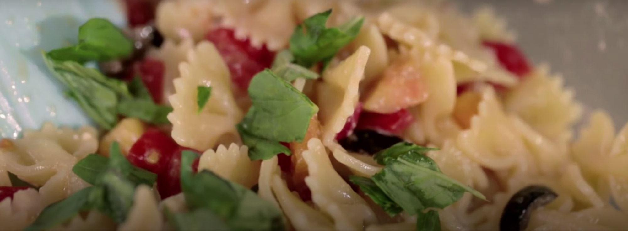Ricetta: Insalata di pasta con le pesche