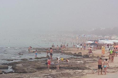 Puglia, oltre al caldo la beffa: la nebbia invade il Salento