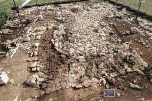 Modugno acquisisce il sito di un antico villaggio del Neolitico in atto di vendita