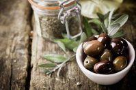 Piatti tipici del Gargano alla scoperta di olive speziate, carni podoliche e formaggi
