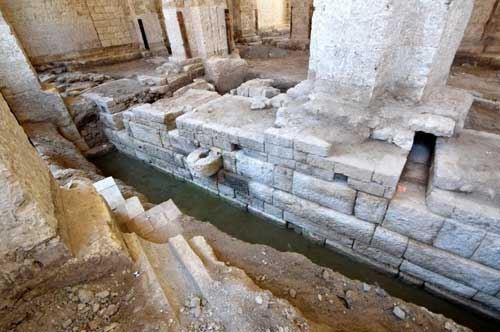 Ritrovati i resti di un antico porto nell'Ex Mercato del Pesce a Bari