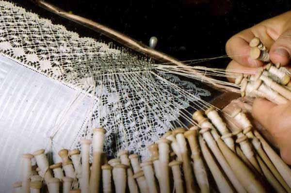 Lavoro artigianale in Capitanata, la Puglia di un tempo che resiste