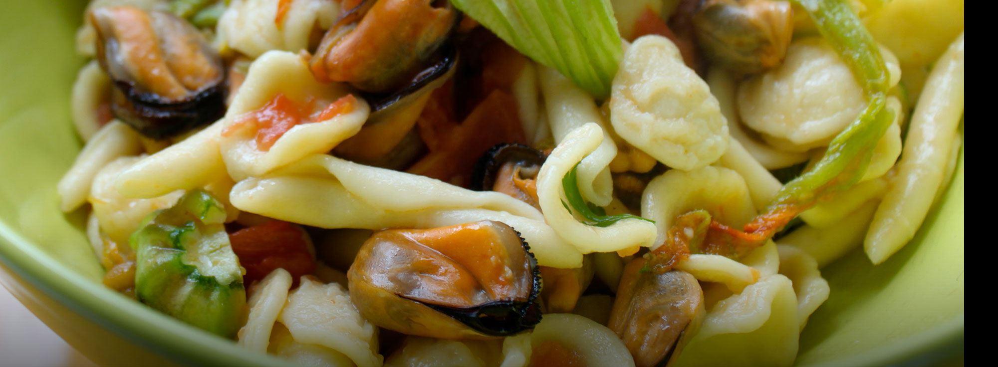Ricetta: Orecchiette cozze nere e fiori di zucca