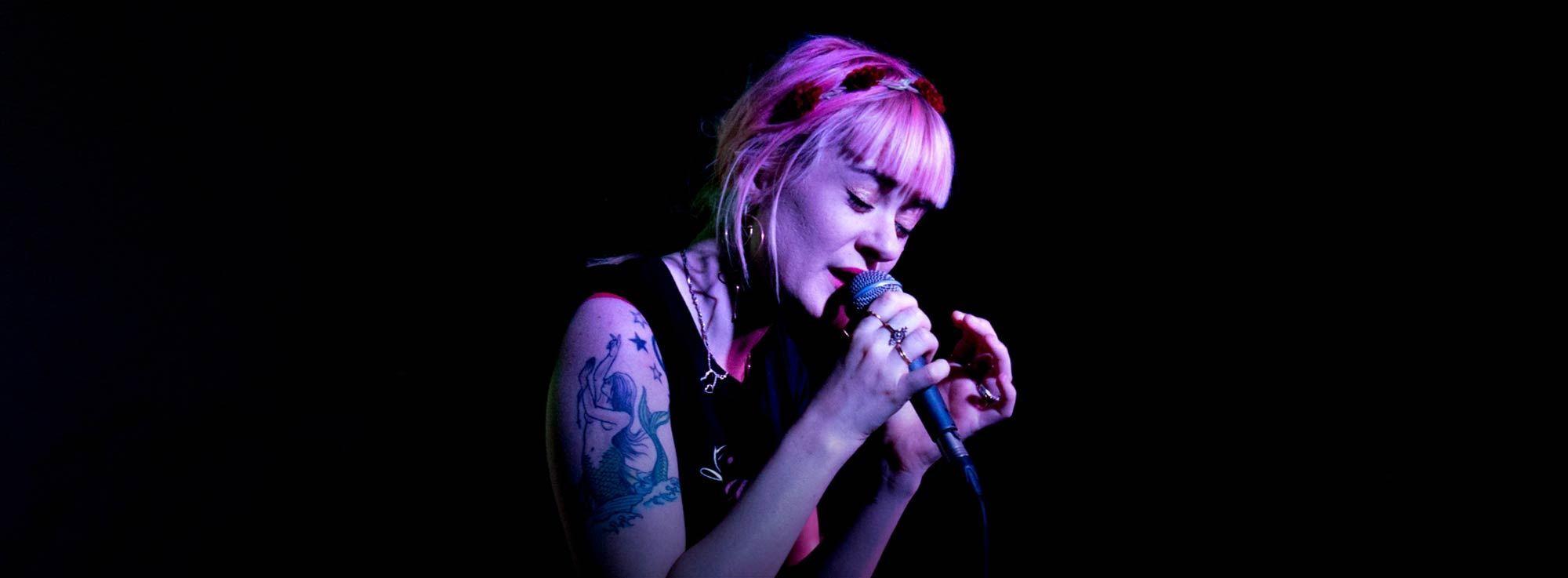 Taranto: Sarah Dietrich - live acustico