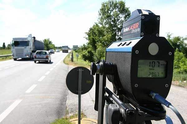 Bari, Telelaser per controlli stradali contro l'uso dei cellulari alla guida