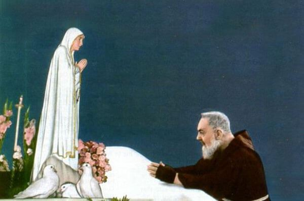 La statua della Madonna di Fatima a San Giovanni Rotondo