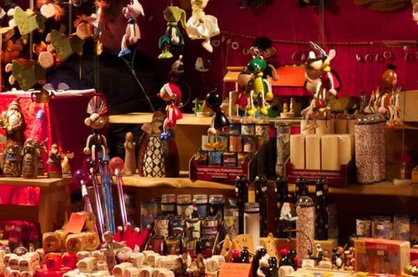 Natale a Trani, adotta una strada per le feste nella Perla del Sud
