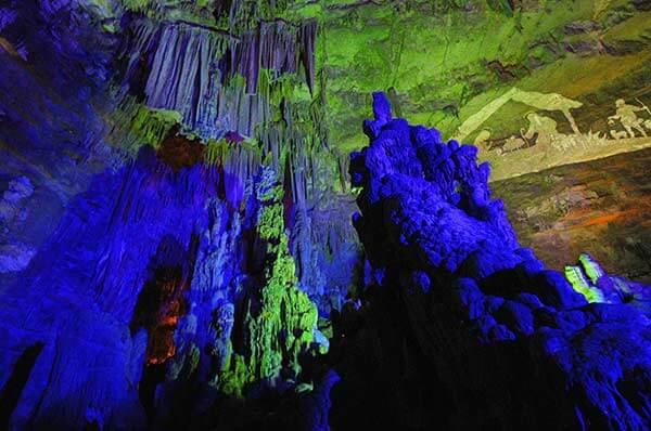 Meraviglia di Luci a Castellana Grotte, spettacolo magia e bellezza
