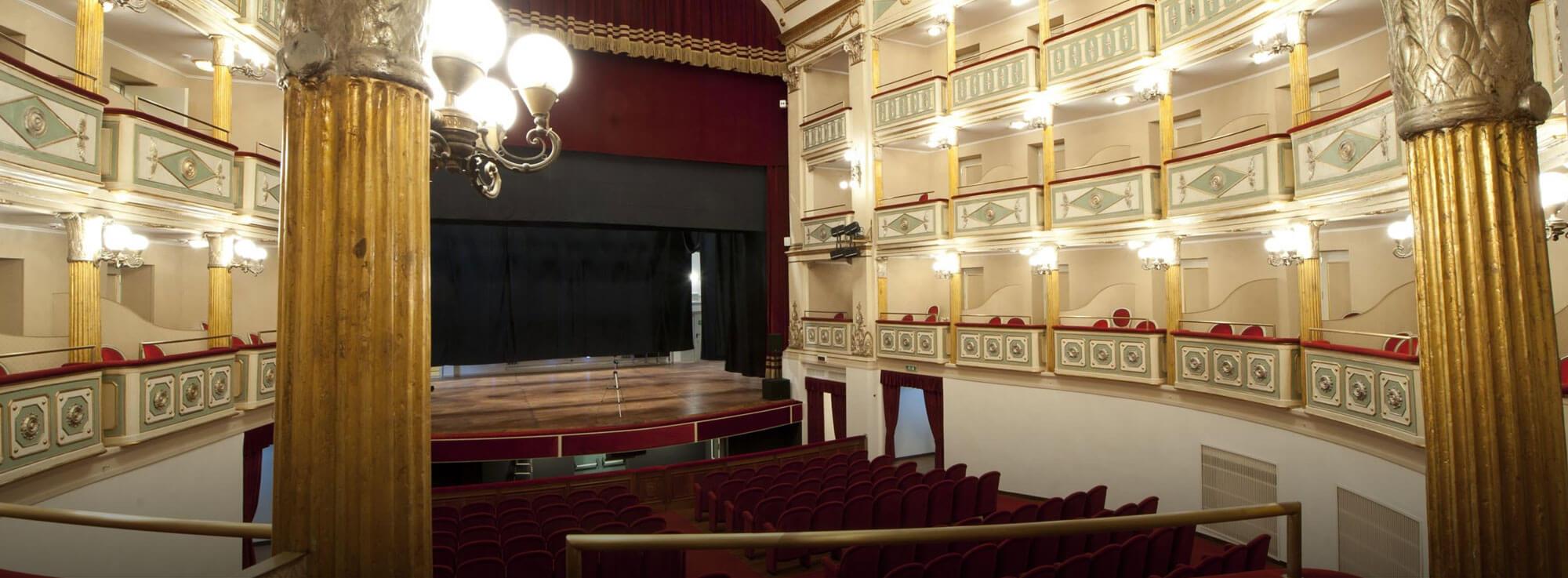 Foggia: Micky Sepalone, Angela Piaf e Canta Napoli Band