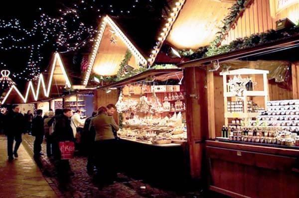 Villaggio di Babbo Natale e concerti a Bari un mese in festa con eventi
