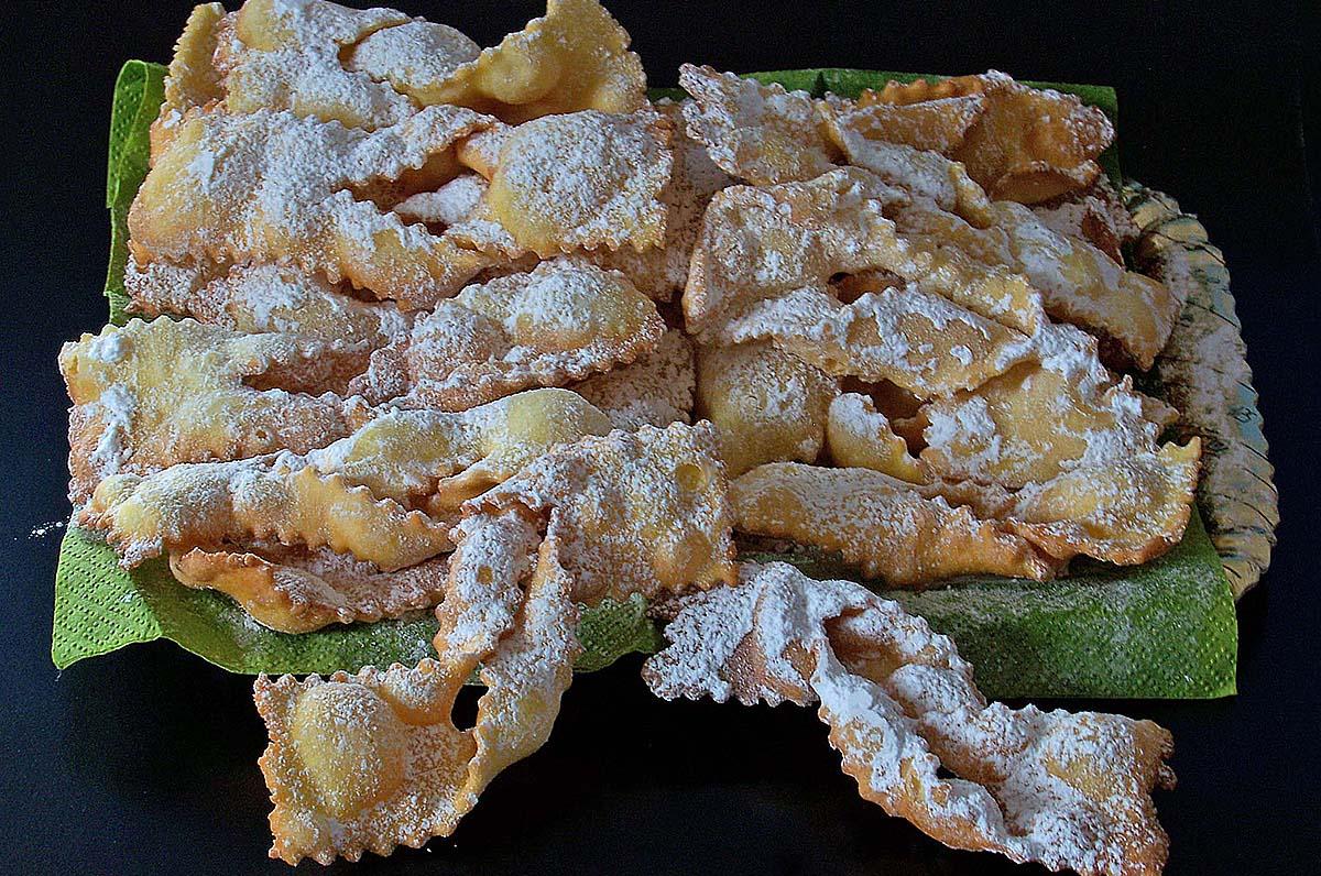 Carnevale: i dolci tradizionali in Puglia per tutta la durata della festa