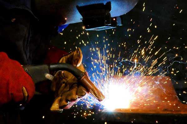 Metalmeccanico a Foggia, 127 nuovi posti nell'azienda ex Finmeccanica
