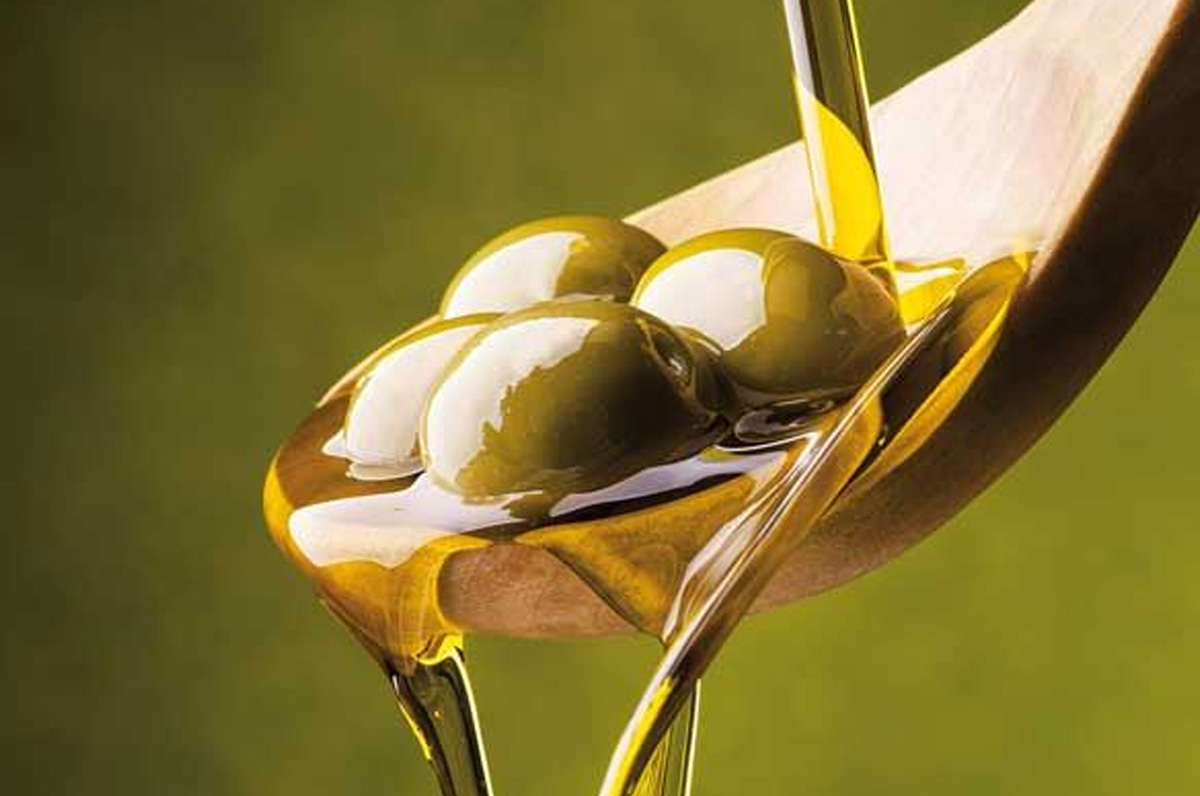 Scopriamo l'olio di Puglia, ottenuto dalle migliori olive al mondo