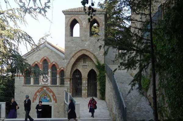 Touring Club premia Orsara di Puglia, città simbolo per la qualità turistica