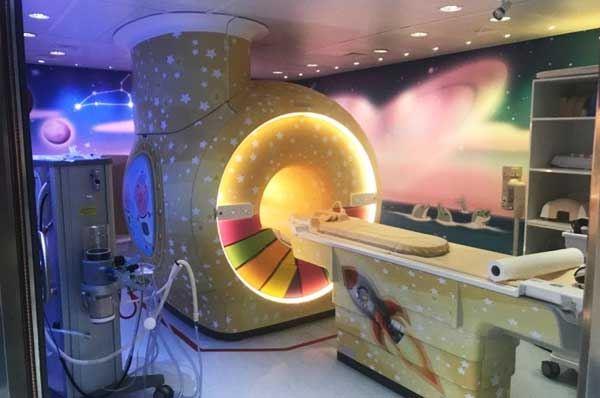 L'Ospedale Pediatrico di Bari Giovanni XXIII si colora di gioia