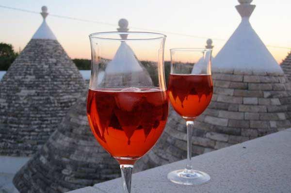 Dal vigneto al bicchiere, i migliori vini DOC della regione Puglia