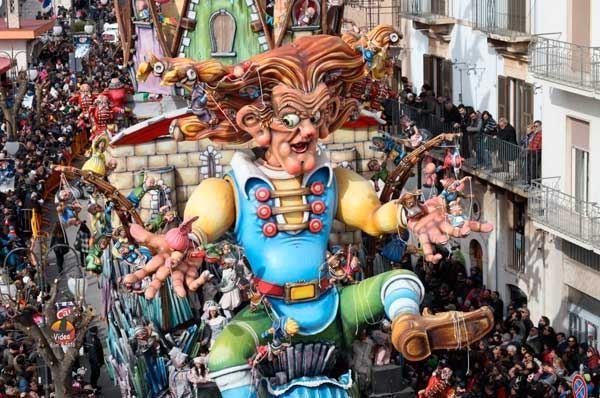 Carnevale in Puglia, una regione con eventi in maschera da nord a sud