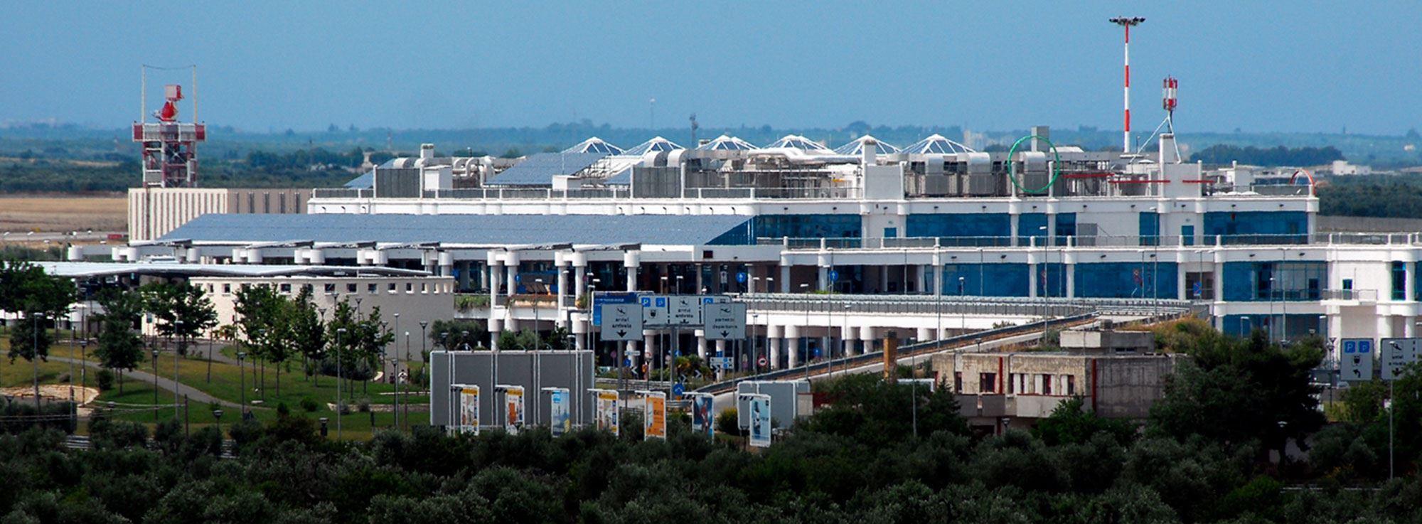 Aeroporto Bari : Aeroporto di bari palese karol wojtyla chiude dal febbraio all