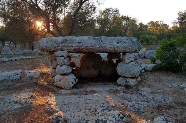 Menhir, dolmen e specchie, la Puglia tra riti dimenticati e antichi monumenti