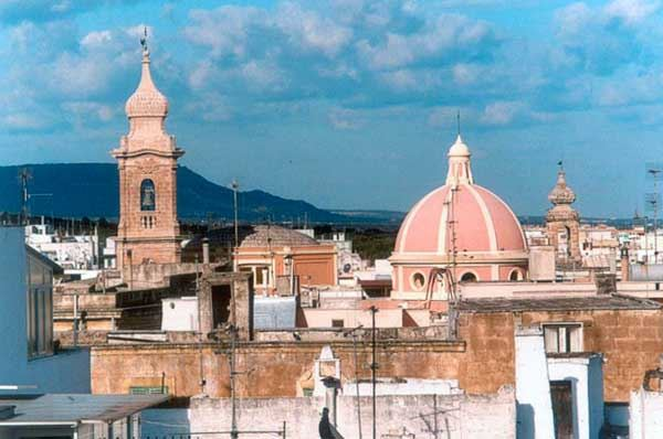 Fasano, piazza Ciaia diventa pedonale con le ristrutturazioni del centro