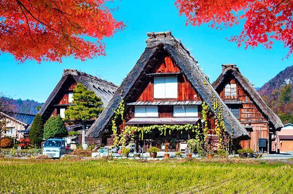 Gemellaggio Alberobello e Shirakawa-Go in Giappone, simili le abitazioni