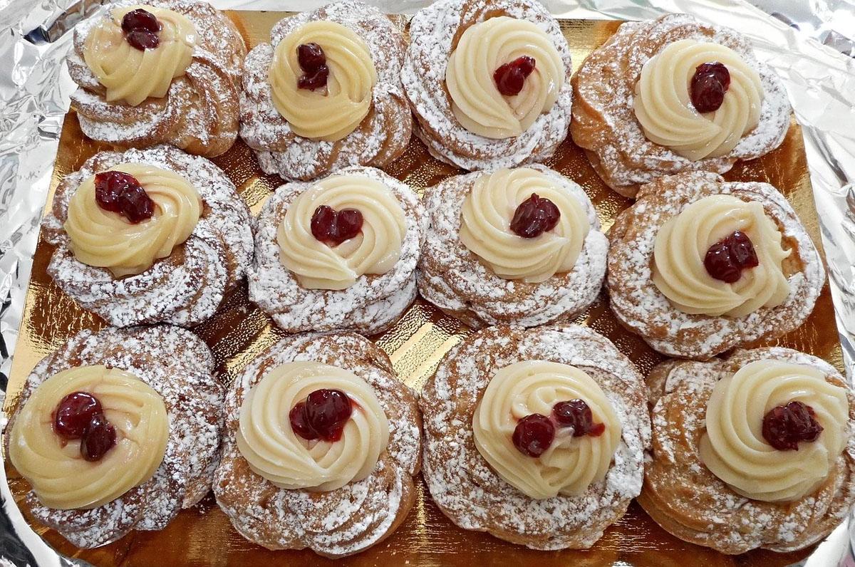 Zeppole, origini del dolce di San Giuseppe