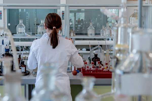 Cancro al colon, punto debole scoperto da ricercatori di Lecce