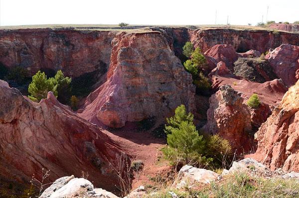 Cava di Bauxite a Spinazzola, la Puglia preziosa tutta da scoprire