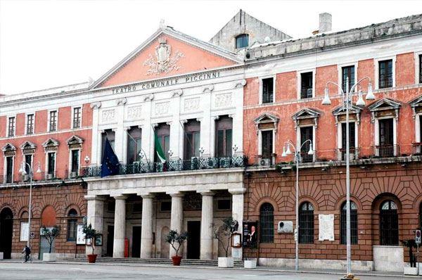 Teatro Piccinni, entro maggio 2019 riaprirà l'antico teatro di Bari