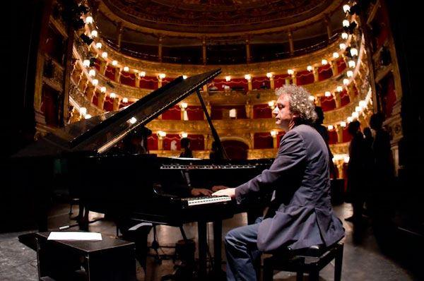 Roberto Cacciapaglia live