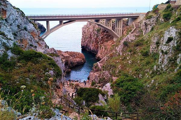 Un fiordo in Puglia, nel Salento l'imperdibile località Ponte Ciolo