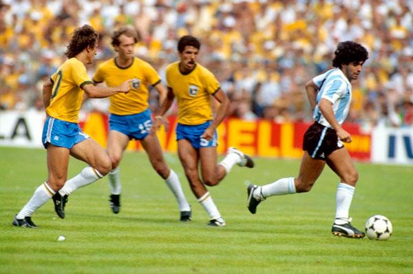 Foggia, al via la Mostra Internazionale del Calcio con Maradona e Pelè