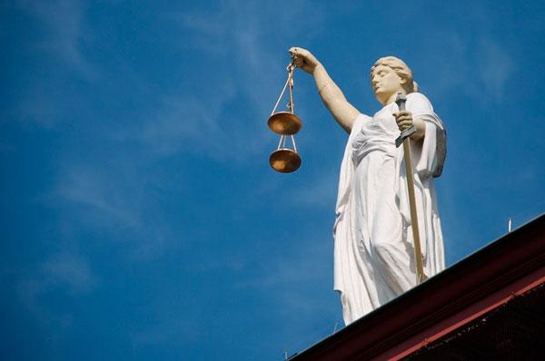 Diritti e doveri, una guida per scuola e lavoro da Taranto