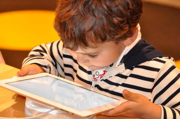 Tecnologie per imparare a scuola: a Bari scommessa digitale