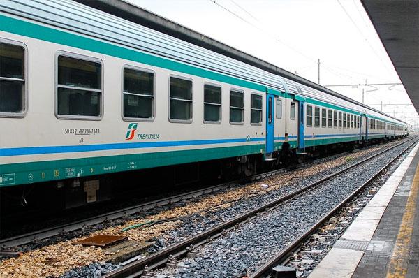 Trasporti per l'estate in Puglia, treni in tutte le località di mare