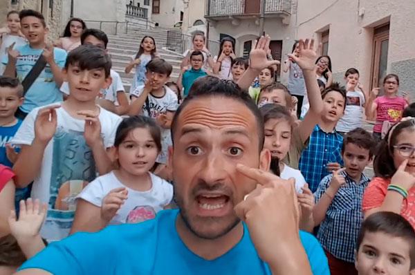 Vieni nella Daunia, il videoclip del comico Santino Caravella