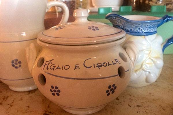 Cutrofiano, a sud di Lecce l'arte delle ceramiche sopravvive immortale