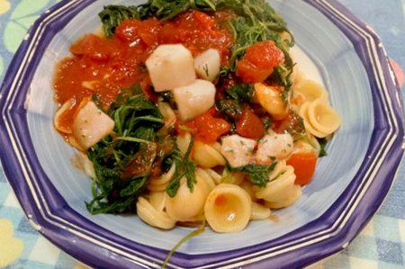 Orecchiette rucola e patate, la tradizione pugliese sposa i colori italiani