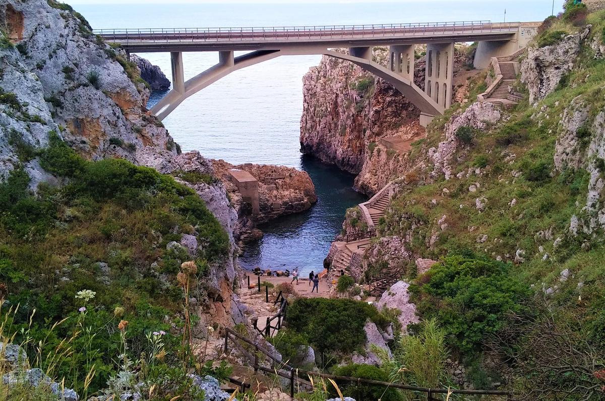 Grotte delle Cipolliane, il tesoro di Gagliano del Capo a strapiombo sul mare