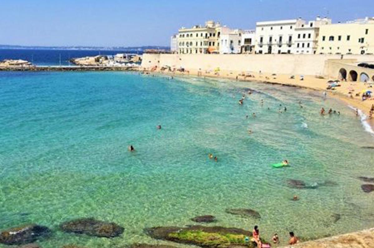 Costa ionica, racconto di una Puglia divisa tra natura e divertimento
