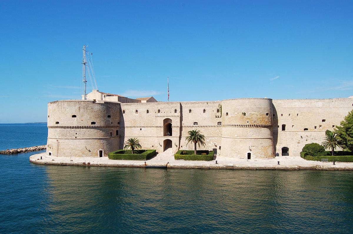 Public Scape Taranto, il senso collettivo del paesaggio con l'arte