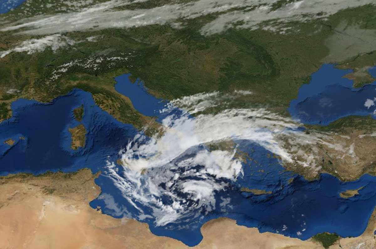 Medicane, l'uragano di passaggio in Italia in queste ore: e la Puglia?