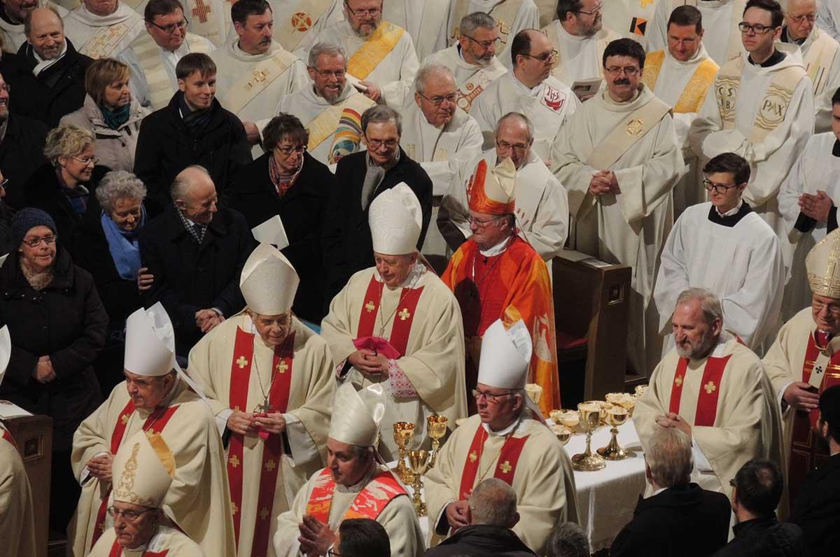 Pace nel Mediterraneo, a Bari nel 2019 la Cei riunisce tutti i vescovi