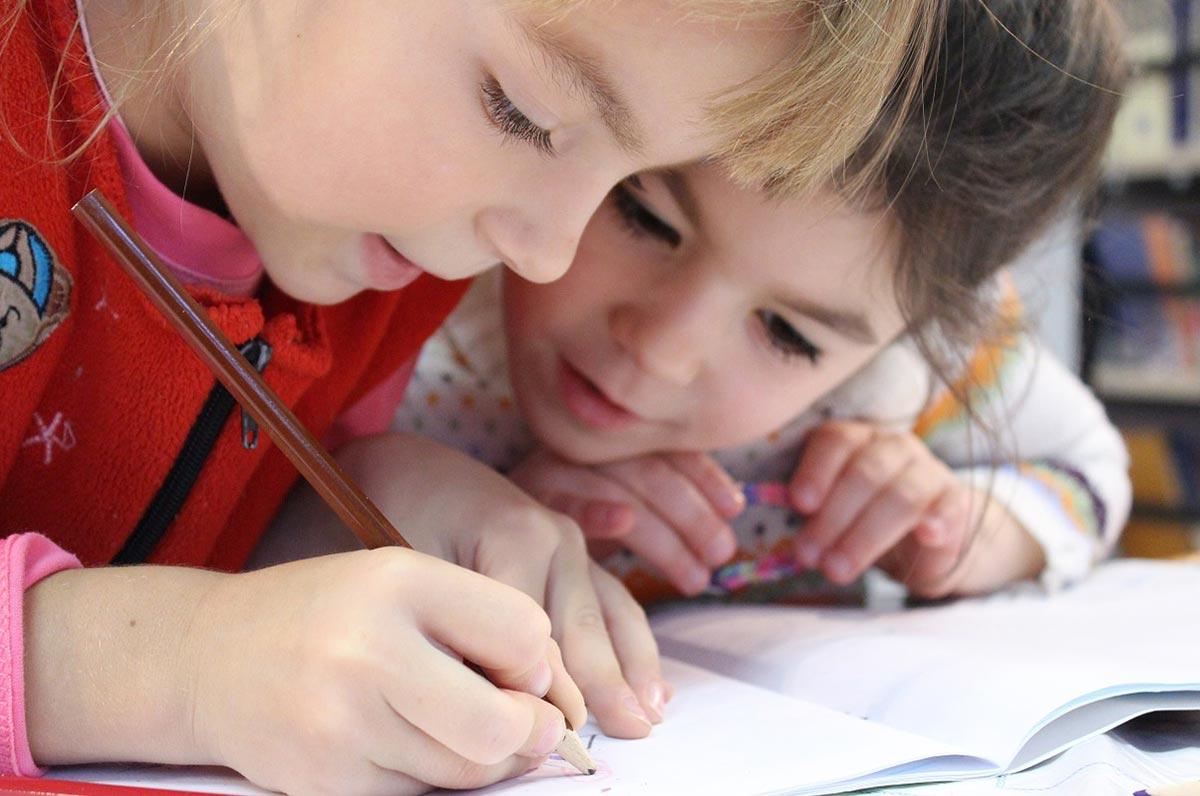Laboratori di welfare per l'educazione dei bambini, al via il progetto a Bari
