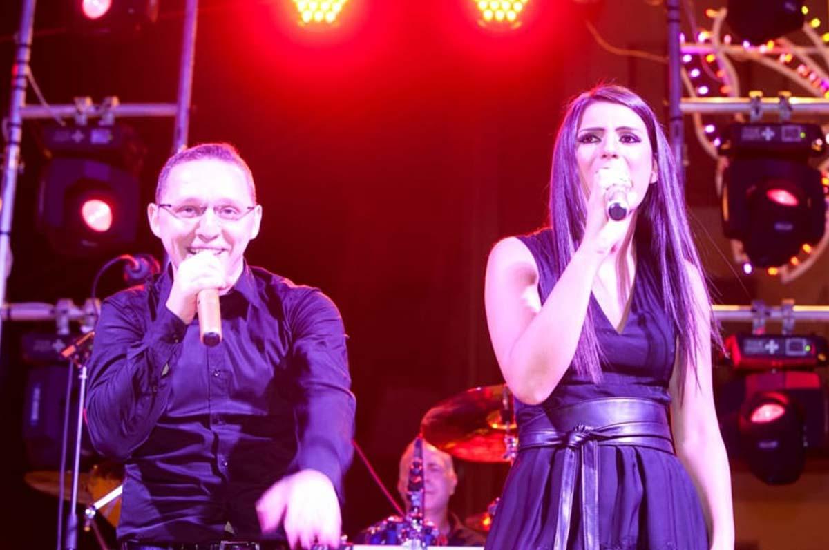 Micky Sepalone, Angela Piaf e Canta Napoli Band in concerto