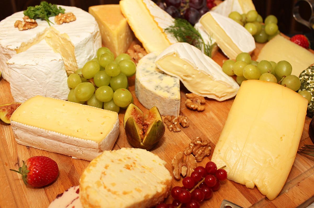 Cena in Puglia, tra formaggio, marmellate e vino, combinazioni uniche