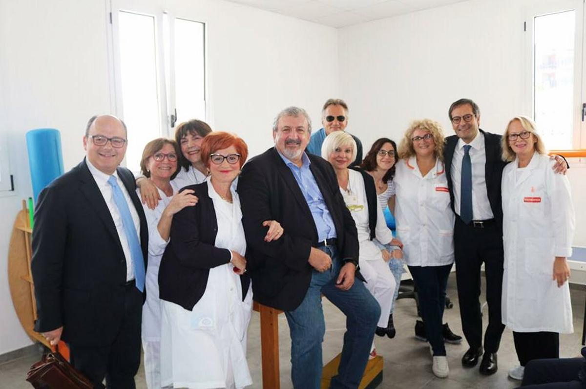Michele Emiliano in visita agli ospedali di Bisceglie e Barletta